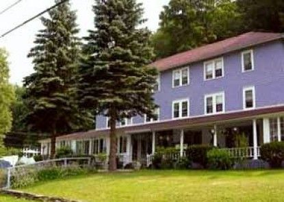 The Inn at Starlight Lake