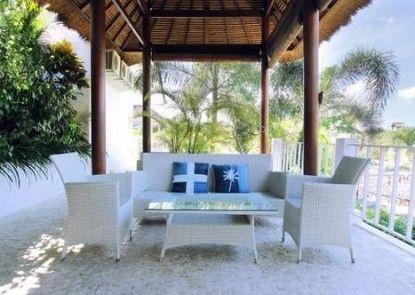 The Island Hotel Bali - Hostel