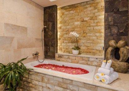 The Kamojang Villas & Resort Jimbaran Teras