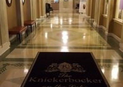 The Knickerbocker on the Lake