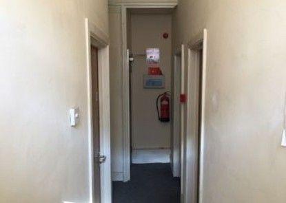 The L4 Studios & Rooms