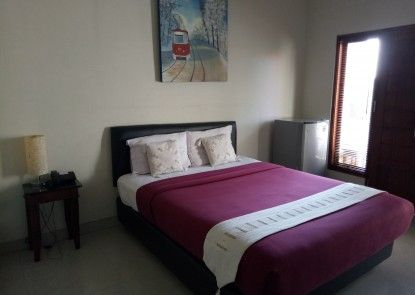 The Legian 777 Guest House Teras