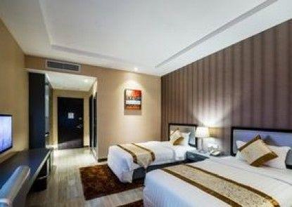 The Litz Hotel & Suites