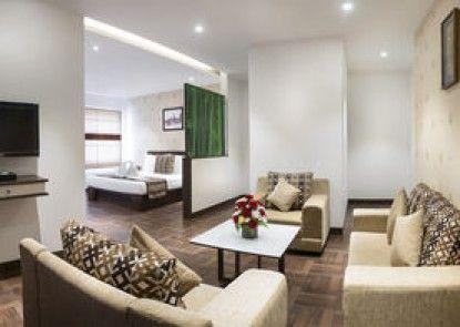 The Lotus Hotel Sameera