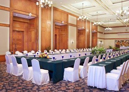 The Media Hotel & Towers Ruangan Meeting