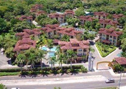 The Oaks Tamarindo Condominiums