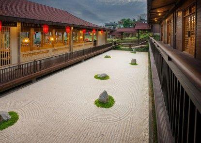 The Onsen Hot Spring Resort Eksterior