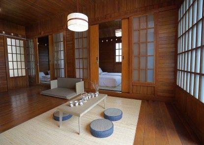 The Onsen Hot Spring Resort Kamar Tamu