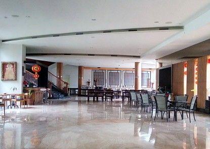 The Oxalis Regency Hotel Lobby