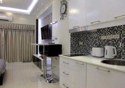 ThepThip ArtDeco Apartments