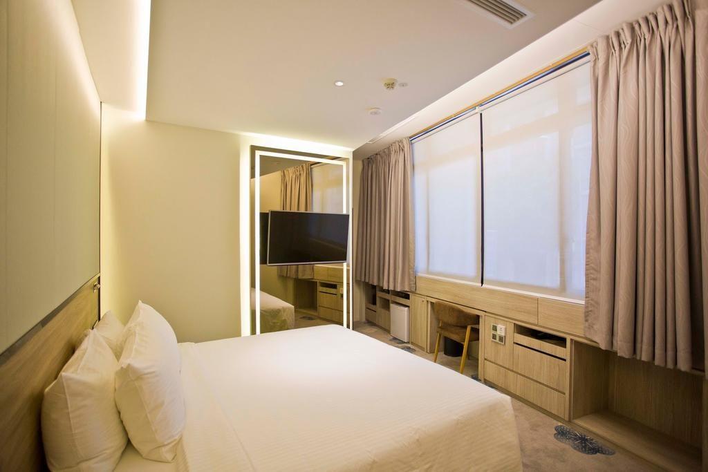 The Quay Hotel Singapore, Singapore River