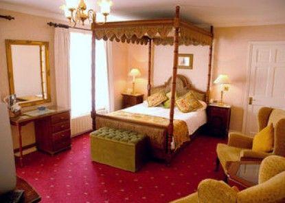 The Revere Hotel