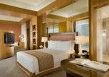Pesan Kamar Mayfair, Suite Junior, 1 Kamar Tidur di The Ritz-Carlton Jakarta, Pacific Place