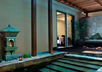 The Ritz-Carlton Jakarta, Mega Kuningan Teras