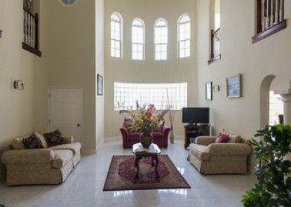 The Royal Kensington Villa