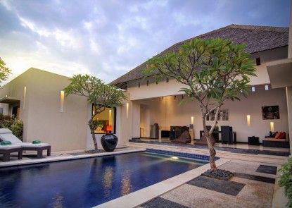 The Seminyak Suite - Private Villa - By Astadala Kolam Renang