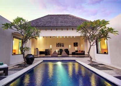 The Seminyak Suite - Private Villa - By Astadala Ruang Tamu