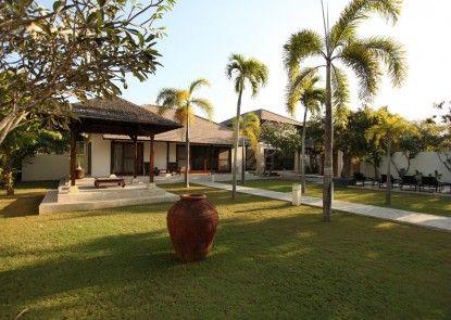 The Wangsa Hotel and Villas Sekitarnya