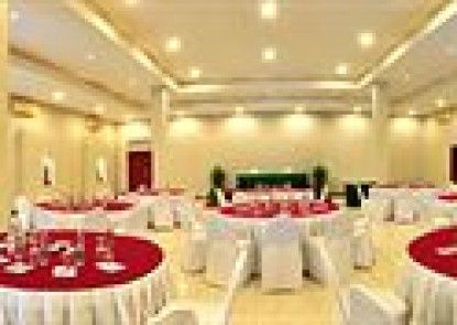 The Yani Hotel Teras