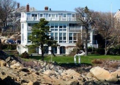 The Yankee Clipper Inn