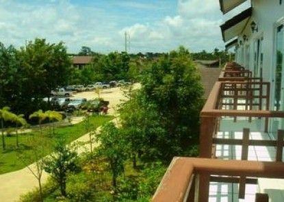 Thongpaeka Hotel