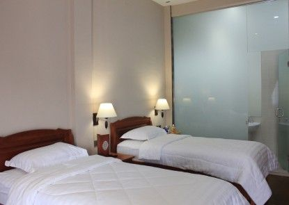 Thongs Inn Kualanamu Transit Hotel Vila