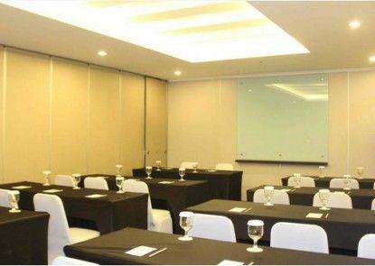T Hotel Jakarta Ruangan Meeting