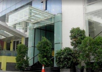 T Hotel Jakarta Eksterior