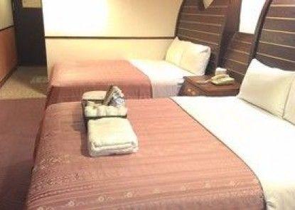 Ti Hwa Hotel