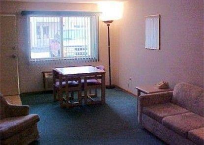 Timberland Inn & Suites