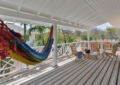 Time to Smile Chogogo Dive & Beach Resort