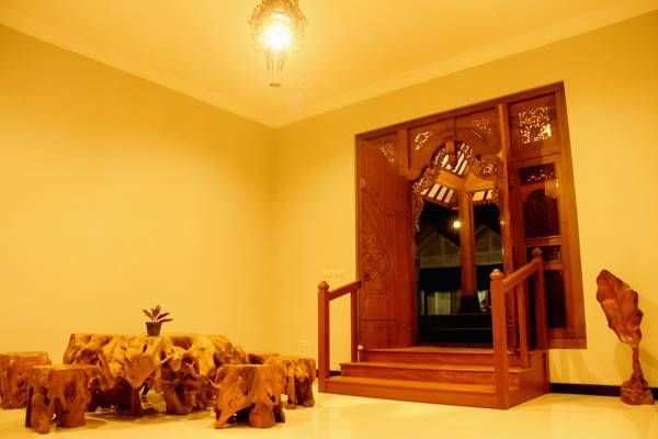 Tingal Laras Batik Arthouse and Homestay, Magelang