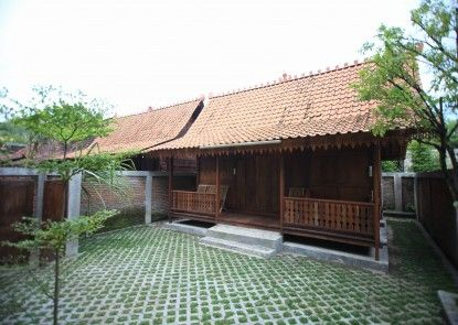Tirtoraharjo Ethnic Wooden Guesthouse Taman