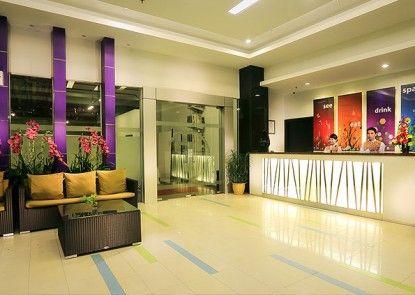 Transera Hotel Pontianak Teras