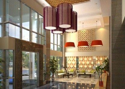 Travellers Hotel Phinisi Makassar Pintu Masuk