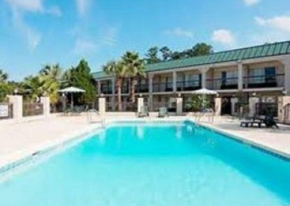 Travelodge Hardeeville Teras