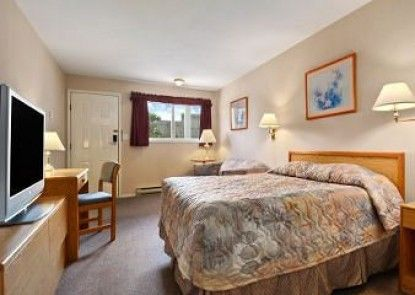Travelodge Salmon Arm BC Teras