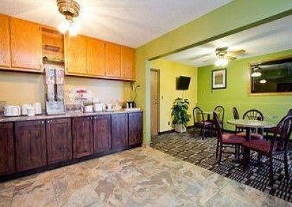 Travelodge Loveland/Fort Collins Area