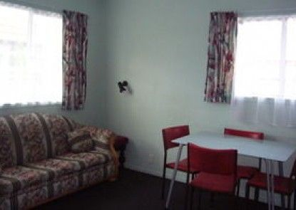 Travelodge Motel