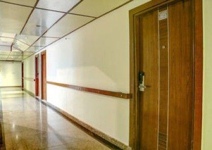 Treebo Corporate Suites, Sector - 62 NOIDA