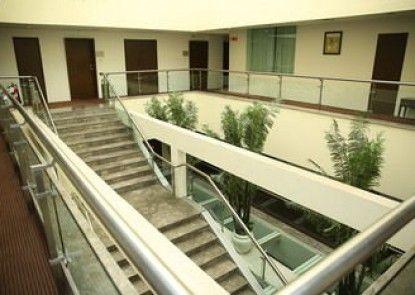 Treebo Kubeera Palace