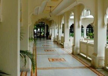TREEHOUSE ANURAGA PALACE