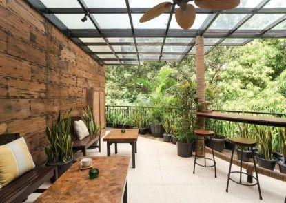 Treehouse Suites - Boutique Serviced Apartment Taman