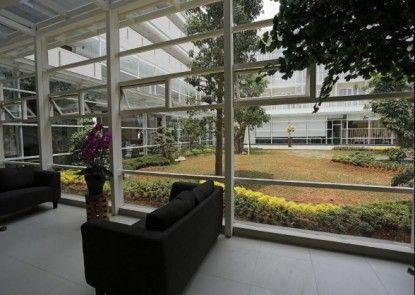 Treepark Serviced Apartment Teras