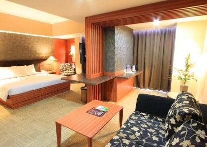 Treva International Hotel Kamar Tamu