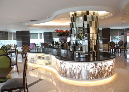 Treva International Hotel Rumah Makan