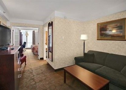 Tropical Inn Hotel & Convention Center