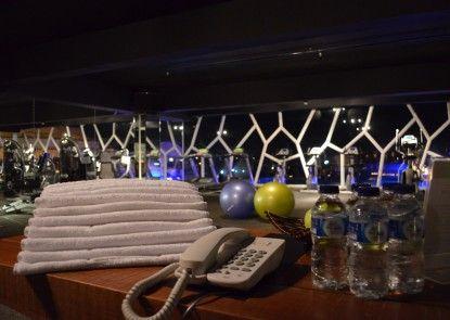 TS Suites Bali and Villas Ruangan Fitness