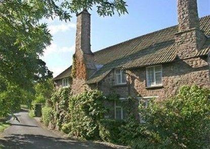Tudor Cottage Teras