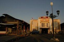 Stasiun Kereta Yogyakarta (Tugu)